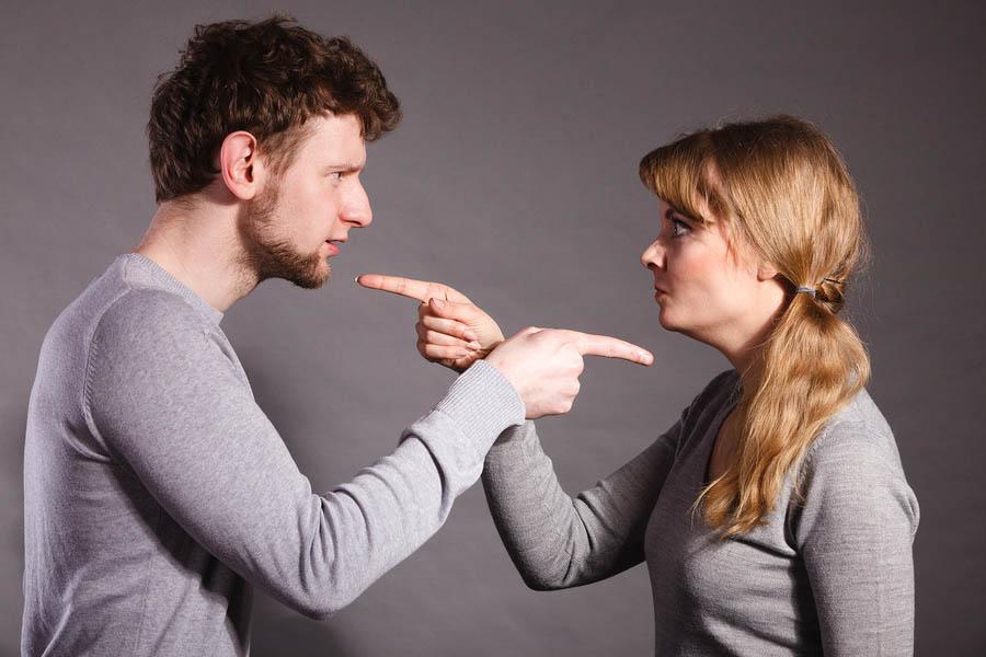 Image result for چرا زن و شوهرها دعوا میكنند؟